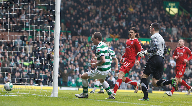 Anthony Stokes rolls the ball in for Celtic's opener