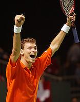 06-03-2006,Swiss,Freibourgh, Davis Cup , Swiss-Netherlands, Sjeng Schalken verslaat Stanislas Wawrinka