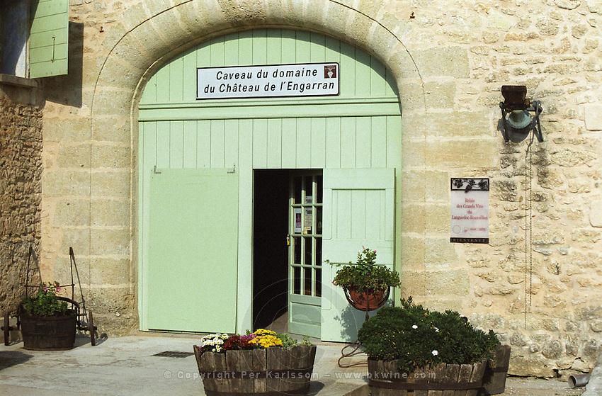 Chateau de l'Engarran, Laverune, Montpellier. Gres de Montpellier. Languedoc. A door. France. Europe.