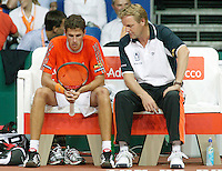 22-9-06,Leiden, Daviscup Netherlands-Tsjech Republic, Sadnes on the Dutch bench coach Tjerk Bogtstra and Robin Haase face defeat