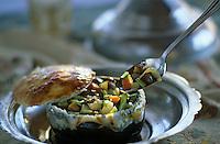 """Europe et Asie /Turquie/Istanbul: Restaurant """"Zeyrekhane"""" Quartier Unkapani - """"Guvec"""" Ragout de légumes et d'Agneau"""
