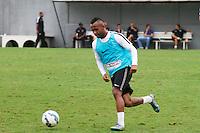 SANTOS, SP, 04.11.2015 - FUTEBOL-SANTOS Chiquinho do Santos durante sessão de treinamento no Centro de Treinamento Rei Pelé nesta quarta-feira, 04. (Foto: Flavio Hopp / Brazil Photo Press)