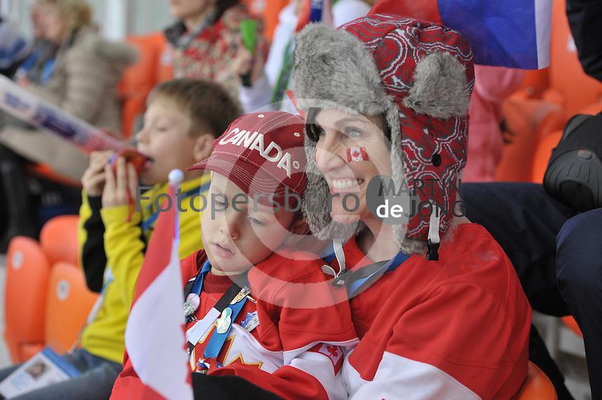 OLYMPICS: SOCHI: Adler Arena, 13-02-2014, 1000m Ladies, Canadian fans, ©foto Martin de Jong