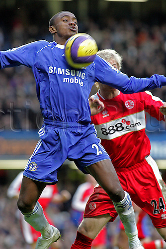 10 February 2007: Chelsea striker Salomon Kalou controls the ball during the Premiership game between Chelsea and Middlesbrough, played at Stamford Bridge. Chelsea won the match 3-0. Photo: Actionplus....070210 football soccer player