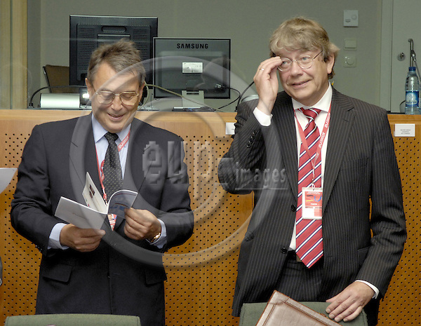 Brussels-Belgium - 21 June 2007---European Council, first day of the summit under German Presidency; here, Ambassador Dr. Wilhelm SCHÖNFELDER (le) (Schonfelder, Schoenfelder), Permanent Representative of Germany to the EU, with Reinhard SILBERBERG (ri), 'Sherpa' and State Secretary at the Ministry of Foreign Affairs of Germany---Photo: Horst Wagner/eup-images
