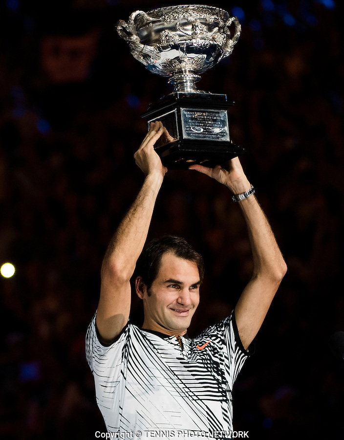 ROGER FEDERER (SUI)<br /> <br /> TENNIS , AUSTRALIAN OPEN,  MELBOURNE PARK, MELBOURNE, VICTORIA, AUSTRALIA, GRAND SLAM, HARD COURT, OUTDOOR, ITF, ATP, WTA<br /> <br /> &copy; TENNIS PHOTO NETWORK