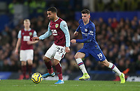 Chelsea's Mason Mount and Burnley's Aaron Lennon<br /> <br /> Photographer Rob Newell/CameraSport<br /> <br /> The Premier League - Chelsea v Burnley - Saturday 11th January 2020 - Stamford Bridge - London<br /> <br /> World Copyright © 2020 CameraSport. All rights reserved. 43 Linden Ave. Countesthorpe. Leicester. England. LE8 5PG - Tel: +44 (0) 116 277 4147 - admin@camerasport.com - www.camerasport.com