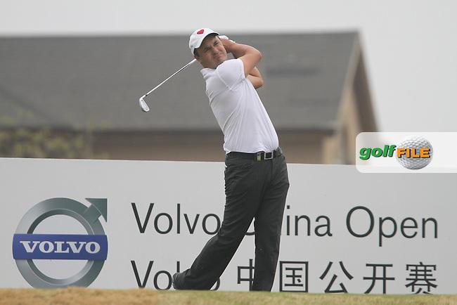 Simon Khan (ENG) on the 10th on Day 1 of the 2012 Volvo China Open at Binhai Lake Golf Club, Tianjin, China...(Photo Jenny Matthews/www.golffile.ie)