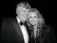 Gov. John Brown and wife Phyllis George 1981<br /> Photo By Adam Scull/PHOTOlink/MediaPunch<br /> CAP/MPI/PHL/AS<br /> ©AS/PHL/MPI/Capital Pictures