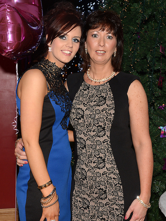 Sinead Cluskey celebrating her 21st birthday in the Thatch with her Godmother Helen Molloy. Photo:Colin Bell/pressphotos.ie
