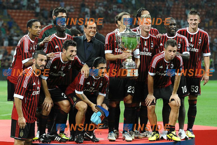 "Il Milan con la coppa.Milano 21/8/2011 Stadio ""Giuseppe Meazza San Siro"".Trofeo ""Luigi Berlusconi"".Calcio Football - Milan Vs Juventus .Foto Insidefoto Andrea Staccioli"