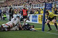 11th January 2020, Parc des Sports Marcel Michelin, Clermont-Ferrand, Auvergne-Rhône-Alpes, France; European Champions Cup Rugby Union, ASM Clermont versus Ulster;  Alivereti Raka (asm) touches down in the corner despite the challenge from Iain Henderson (ulster)