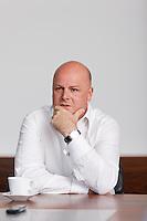 Interview und Portrait von Tim Summers Vizepraesident der Renova Management AG, im Hauptsitz am Bleicherweg 33 in Zuerich am 19. April 2011..Copyright © Zvonimir Pisonic