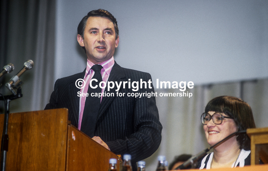 Liberal Party leader David Steel speaking at annual conference in Harrogate, September, 1982. Also in the photo is Judith Steel, David Steel&rsquo;s wife. 198209000152d<br />