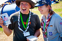 Anna-Lena Jammer (CMT from Germany) and Ib Jammer (Planning Team Health Angels) found a geochach at summer village. Photo: André Jörg/ Scouterna