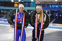 SCHAATSEN: HEERENVEEN: 04-02-2017, KPN NK Junioren, Podium Junioren A, kampioenen Chris Huizinga en Jutta Leerdam, ©foto Martin de Jong