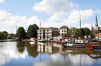 Boten in de Turfsingel. De Museumhaven.