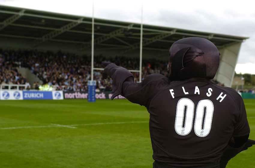 Photo. Jed Wee..Newcastle Falcons v NEC Harlequins, Zurich Premiership, 19/09/2004..Newcastle mascot Flash the Falcon.