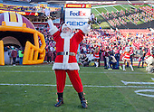 Santa Claus celebrates friar to the Buffalo Bills playing the Washington Redskins at FedEx Field in Landover, Maryland on Sunday, December 20, 2015.<br /> Credit: Ron Sachs / CNP