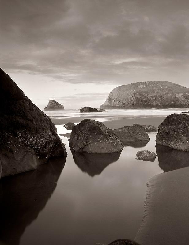 Harris Beach Sunrise and tidepool reflection. Boardman State Park, Oregon