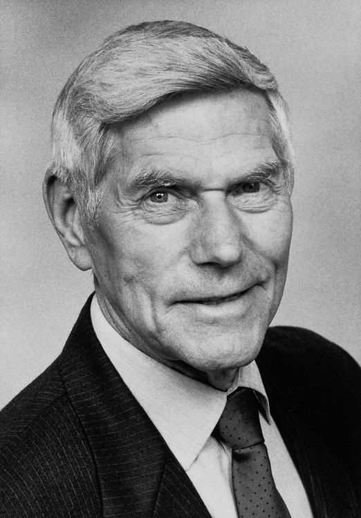 Rep. Jack Metcalf, D-Wash. on April 23, 1998. (Photo by CQ Roll Call)