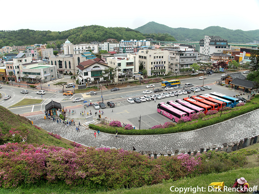 Festung Gongsanseong in Gongju, Provinz Chungcheongnam-do, S&uuml;dkorea, Asien, UNESCO-Weltkulturerbe<br /> Fortress Gongsanseong in Gongju, province Chungcheongnam-do, South Korea, Asia, UNESCO worl-heritage