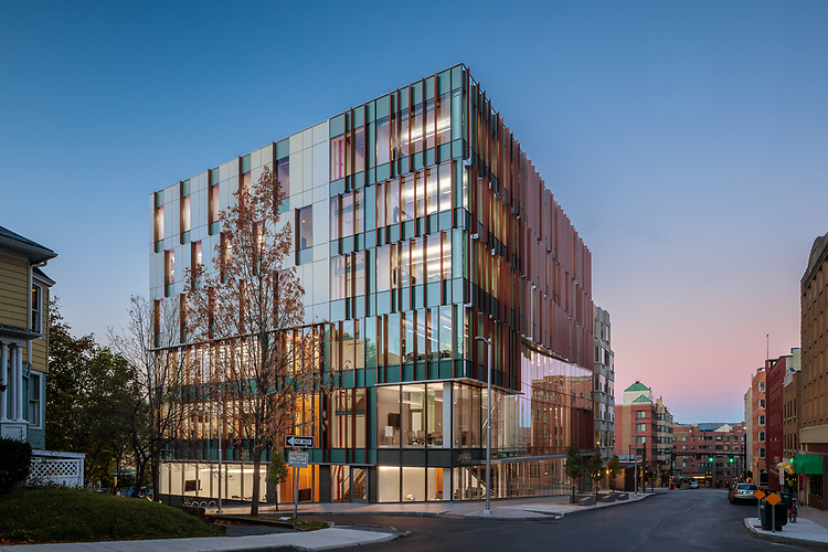 Breazzano Family Center for Business Education | ikon.5
