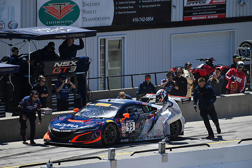 Pirelli World Challenge<br /> Victoria Day SpeedFest Weekend<br /> Canadian Tire Motorsport Park, Mosport, ON CAN Saturday 20 May 2017<br /> Peter Kox/ Mark Wilkins pit stop<br /> World Copyright: Richard Dole/LAT Images<br /> ref: Digital Image RD_CTMP_PWC17093