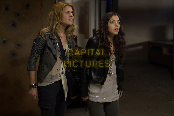 RACHAEL TAYLOR and OLIVIA THIRLBY.in The Darkest Hour.*Filmstill - Editorial Use Only*.CAP/FB.Supplied by Capital Pictures.