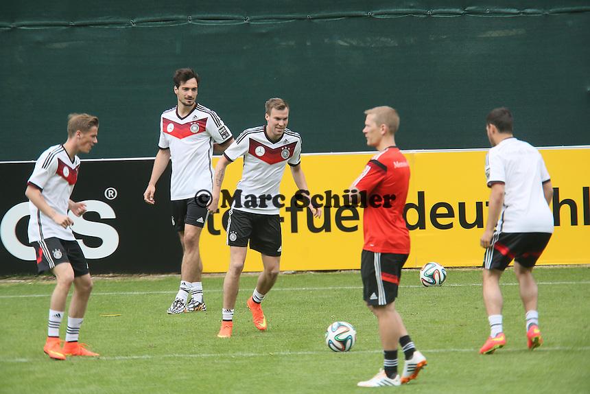 Erik Durm, Mats Hummels, Kevin Grosskreutz - Training der Deutschen Nationalmannschaft  im Rahmen der WM-Vorbereitung in St. Martin