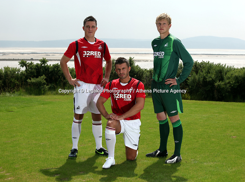 Pictured L-R: Marcos Painter, Matthew (Matty) Collins and unknown<br />