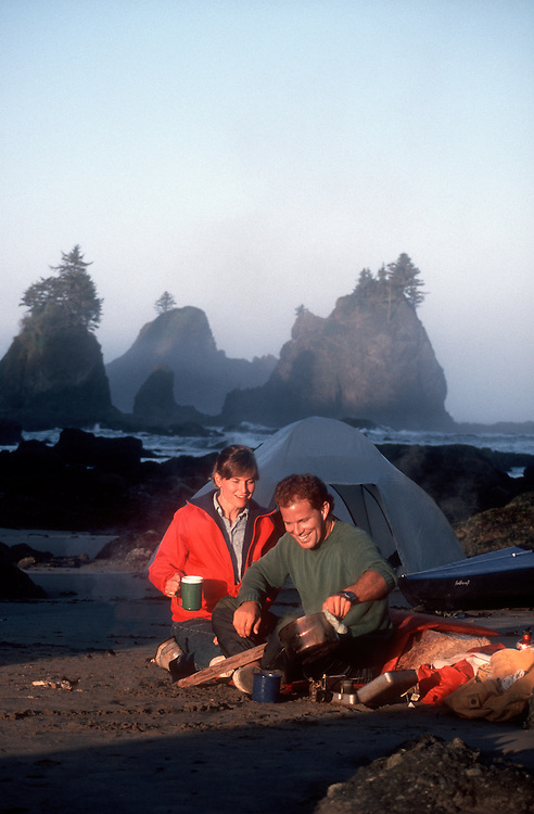 Kayakers beach camping, Olympic National Park, Point of Arches, Shi Shi beach, Olympic Peninsula, Washington State, Pacific Northwest, USA, model released,..