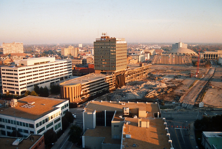 1996 November 24..Redevelopment..Macarthur Center.Downtown North (R-8)..IMPLOSION OF SMA TOWERS.LOOKING NORTH FROM ROOFTOP .OF MAIN TOWER EAST.SEQUENCE 1.PV3..NEG#.NRHA#..