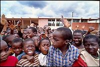 Mozambico, alunni  di una scuola primaria a Nampula