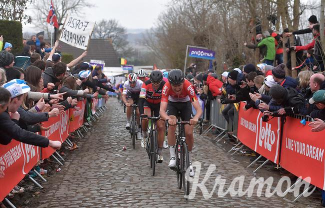 Tiesj Benoot (BEL/Lotto-Soudal) leading the favorites bunch up the Oude Kwaremont<br /> <br /> 102nd Ronde van Vlaanderen 2018 (1.UWT)<br /> Antwerpen - Oudenaarde (BEL): 265km