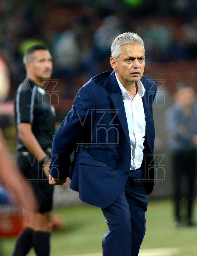 MEDELLIN  -  COLOMBIA: 02 - 05 - 2017: Reinaldo Rueda, técnico  de Atletico Nacional de Colombia, durante partido de la fase de grupos, grupo 1 fecha 4, entre Atletico Nacional y Estudiantes de la Plata de Argentina, por la Copa Conmebol Libertadores Bridgestone 2017, en el Estadio Atanasio Girardot, de la ciudad de Medellin./ Reinaldo Rueda, técnico  of Atletico Nacional of Colombia, during a match for the group stage, group 1 of the date 4, between Atletico Nacional of Colombia and Estudiantes de la Plata of Argentina, for the Conmebol Libertadores Bridgestone Cup 2017, at the Atanasio Girardot, Stadium, in Medellin city. Photos: VizzorImage / Leon Monsalve / Cont.