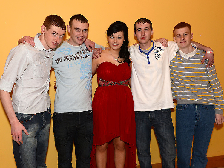 Eimear O'Connor celebrating her 18th birthday in the Thatch with brothers Sean, Matthew, Brian and Liam. Photo:Colin Bell/pressphotos.ie