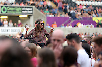 Pictured: Revellers during the Kings of Leon performance. Wednesday 02 July 2014<br />