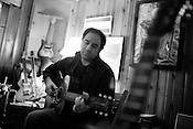 November 23, 2009. Durham, North Carolina..Musician Jon Shain at his home.
