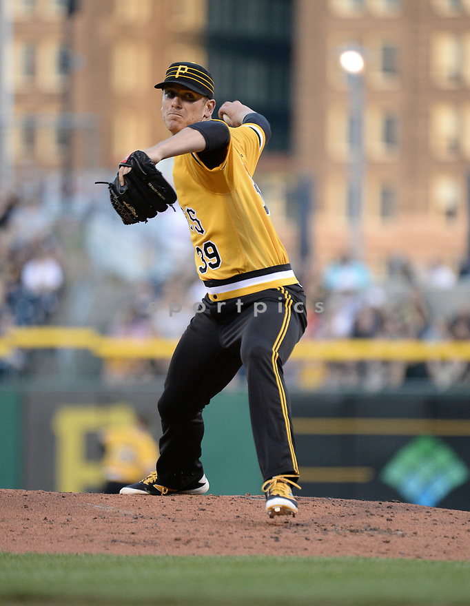 Pittsburgh Pirates Chad Kuhl (39) during a game against the Los Angeles Dodgers on June 26, 2016 at PNC Park in Pittsburgh, PA. The Dodgers beat the Pirates 4-3.