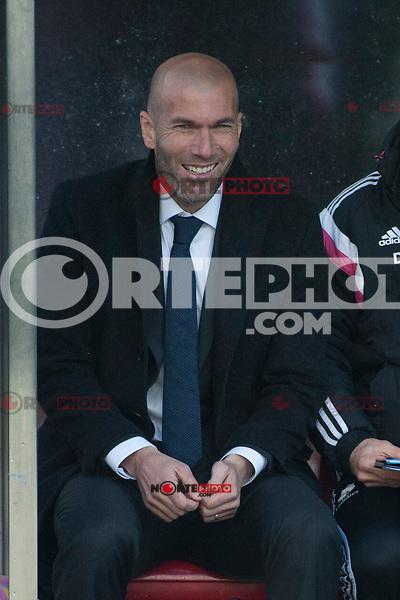 Real Madrid Castilla&acute;s  coach Zinedine Zidane during 2014-15 Spanish Second Division B match between Trival Valderas and Real Madrid Castilla at La Canaleja stadium in Alcorcon, Madrid, Spain. February 01, 2015. (ALTERPHOTOS/Luis Fernandez) /NortePhoto<br /> /NortePhoto.com