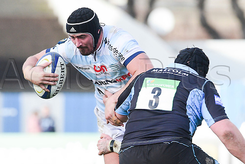 09.01.2016. Paris, France. European Champions Cup Rugby Union. Racing Metro versus Glasgow Warriors.  Alexandre Dumoulin (RM92) tackled by Zander Fagerson (Glasgow)