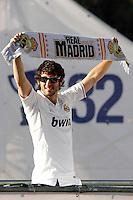 MADRID, ESPANHA, 04 MAIO DE 2012 - COMEMORACAO REAL MADRID -  Granero celebra o titulo da Liga Espanhola, na Praca Cibeles no centro de Madrid, ontem quinta-feira, 3. FOTO: ARNEDO  ALCONADA / ALTER / ALFAQUI / BRAZIL PHOTO PRESS)