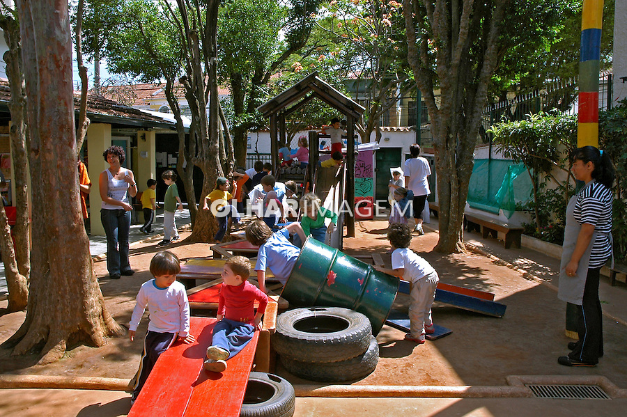 Recreação na Escola de Educaçao Infantil Grao de Chao. Sao Paulo. 2007. Foto de Marcia Minillo.