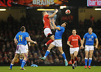 Wales Liam Williams beats Italy&rsquo;s Tommaso Allan to the high ball<br /> <br /> Photographer Ian Cook/CameraSport<br /> <br /> 2018 NatWest Six Nations Championship - Wales v Italy - Sunday 11th March 2018 - Principality Stadium - Cardiff<br /> <br /> World Copyright &copy; 2018 CameraSport. All rights reserved. 43 Linden Ave. Countesthorpe. Leicester. England. LE8 5PG - Tel: +44 (0) 116 277 4147 - admin@camerasport.com - www.camerasport.com