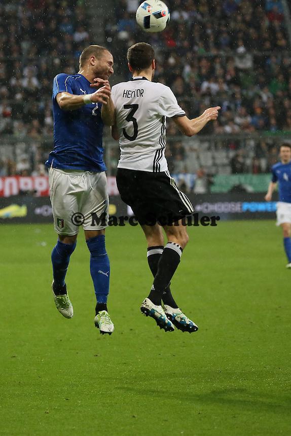 Jonas Hector (D) gegen Lorenzo DeSilvestri (ITA) - Deutschland vs. Italien, Allianz Arena München