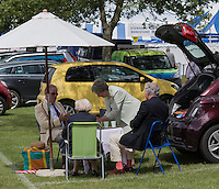 Henley on Thames.  United Kingdom.  Lion Field Car Park, Picnic.    Thursday,  30/06/2016,      2016 Henley Royal Regatta, Henley Reach.   [Mandatory Credit Peter Spurrier/ Intersport Images]