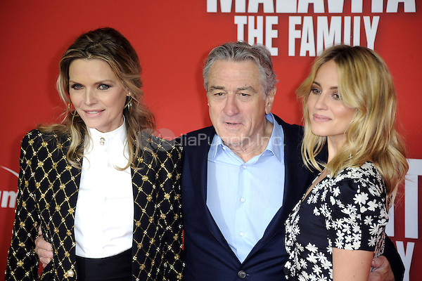 Michelle Pfeiffer, Robert De Niro,  Dianna Agron attending the MALAVITA - The Family premiere in Berlin, Germany, 15.10.2013. Credit: Imago/Unimedia/MediaPunch Inc. ***FOR USA ONLY***