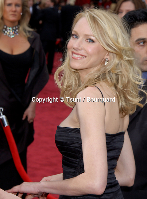 Naomi Watts arriving at the 74th Annual Academy Awards at the kodak Theatre in Los Angeles. March 24, 2002.           -            WattsNaomi50.jpg