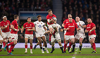 Wales' Gareth Anscombe takes a high ball<br /> <br /> Photographer Bob Bradford/CameraSport<br /> <br /> NatWest Six Nations Championship - England v Wales - Saturday 10th February 2018 - Twickenham Stadium - London<br /> <br /> World Copyright &copy; 2018 CameraSport. All rights reserved. 43 Linden Ave. Countesthorpe. Leicester. England. LE8 5PG - Tel: +44 (0) 116 277 4147 - admin@camerasport.com - www.camerasport.com